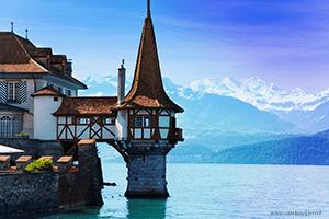 Varen in Zwitserland op een van de 20 meren
